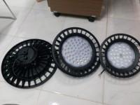 Điện d-dụng Ổ Quay CN đèn led nhà xưởng mẩu mới 100w 150w 200w